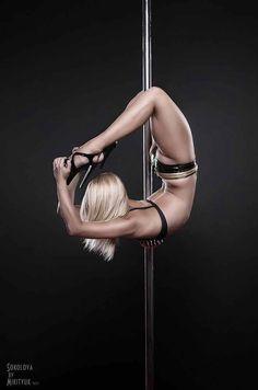 Anastasia Sokolova. Acrobatic pole dancer
