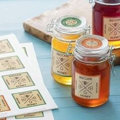 How to make printable tags with free printable labels to organize your home beautifully. These free printable label templates include blank labels, printable labels for kids, round and oval labels in many different colors and patterns. Custom Printed Labels, Printing Labels, Business Labels, Business Gifts, Honey Jar Labels, Clear Stickers, Label Stickers, Waterproof Labels, How To Make Labels