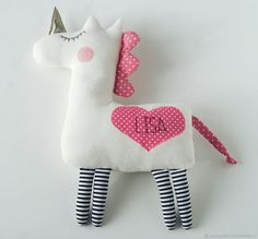 This Personalized Unicorn is a safe and child-friendly toy with embroidered name. Cute and romantic gift for baby girl or unicorn lover. Stuffed animal doesnt contains small or solid parts. Suitable for sleeping time with little one. Sewing Toys, Baby Sewing, Sewing Stuffed Animals, Stuffed Toys, Easy Baby Blanket, Bijoux Art Deco, Personalized Baby Gifts, Sewing Projects For Kids, Unicorn Birthday Parties