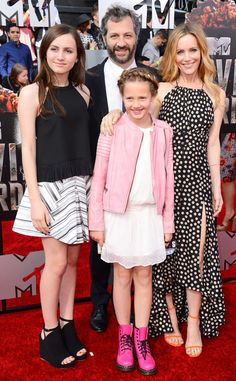A well put together grouping of #stylish people. - Leslie Mann and Judd Apatow #MTVMovieAwards #love #fashion