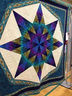 Upstate NY Creations: Quilt Show - Empire Quilt Fest Lone Star Quilt, Star Quilts, Quilt Blocks, Amish Quilts, Quilting Projects, Quilting Designs, Quilt Design, Quilting Ideas, Star Blanket