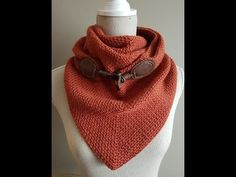 sjaal met knoop ; triangle scarf moss stitch - YouTube