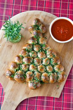 Christmas Tree Pull-Apart Bread