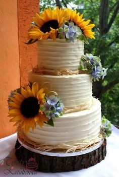 Sunflower Party, Sunflower Cakes, Sunflower Wedding Cakes, Wedding Cakes With Sunflowers, Cake Flowers, Country Wedding Cakes, Wedding Cake Rustic, Rustic Cake, Country Weddings