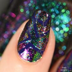 Geometric ultra-chrome flakie and right angle madness by simplynailogical