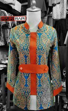 Blouse Batik, Batik Dress, Stylish Dresses For Girls, Stylish Dress Designs, Pakistani Fashion Casual, Pakistani Dress Design, Mode Batik, Batik Fashion, Penelope