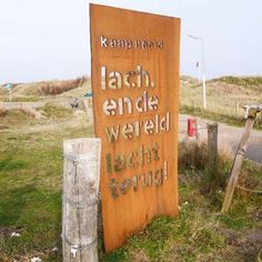 Lach en de wereld lacht terug kaap noord texel - http://www.strandpaviljoenkaapnoord.nl/