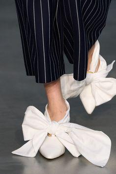 Mother Of Pearl at London Fashion Week Fall 2018 - Details Runway Photos