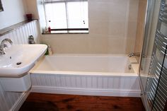 Traditional bathroom renovation.  For a free consultation call: 0113 262 5954  http://www.redesignexperts.co.uk/