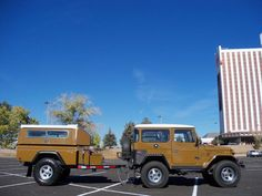 1976 Toyota Land Cruiser FJ40 with early 80s Minitruck trailer.