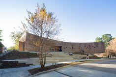 Studio Gang Architecs, Arcus Center for Social Justice Leadership, Kalamazoo, Michigan, USA. Photo © Iwan Baan