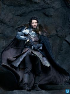 Oh my he is SO HANDSOME AND RUGGED Game of Thrones - Season 3 - HQ Photoshoot