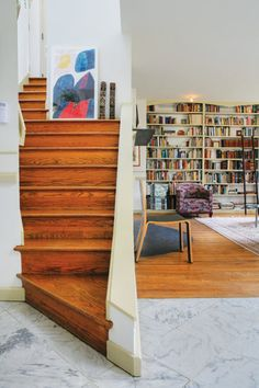 Robert Venturi's mother's house: stairs to a small guest bedroom wrap around the fireplace.