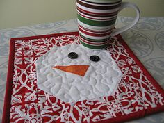 Not-so-Plain Jane: Snowman Mug Rug Tutorial  This was really easy to do and turned out so cute- Joanna