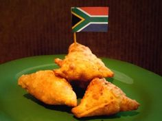 A blend of spices and lamb in a pastry triangle South African Dishes, South African Recipes, Indian Food Recipes, Lamb Recipes, Cooking Recipes, Oven Recipes, Recipies, Beignets, Empanadas