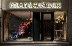 relais & châteaux - Vitrines de Printemps- Décor de vitrines de la boutique avenue de l'Opéra à Paris, printemps 2018