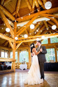 Banff Canmore Wedding Photographer (hang lights and lanterns)