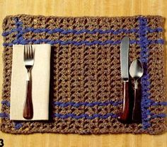 19 Free Crochet Kitchen and Dining Patterns - Crochet placemats to match your whole kitchen and dining set. Find other amazing kitchen crafts in this collection, too.