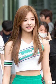 Tzuyu - Twice Pretty Asian, Beautiful Asian Women, Beautiful People, Cute Asian Girls, Cute Girls, Kpop Girl Groups, Kpop Girls, Korean Beauty, Asian Beauty