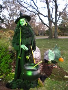 25 amazing halloween witches decorations inspiration - Witch Halloween Decorations