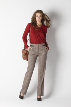 #LookCP El MUST HAVE de tu clóset es esta blusa burgundy.  #CPbyClaudiaPaez