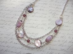 Lilac/amethyst mother of pearl coin multi chain silver necklace de la boutique BijouxdeBrigitte sur Etsy