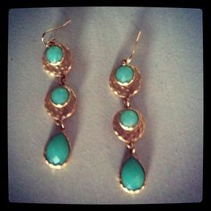 www.hhandbd.com Giveaway item!!   You Could OWN these fab earrings for free!!   1. Follow us on twitter @hhandbd  2. Follow us on blogger!  3. Leave us a comment for a new post idea!!!