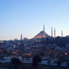 Evening mood in Istanbul #süleymaniye #mosque #camii #istanbul #travel #traveldiary #wanderlust #instatravel #istanbullovers #istanbullove #istanbulthroughmyeyes #istanbuldayasam #huntgramturkey #vscotravel #Turkey #citylove #urban #view #skyline #urban #night #lights #travelcamera #lovefromturkey #travelturkey