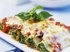Cannelloni mit Spinat ist ein Rezept mit frischen Zutaten aus der Kategorie Blattgemüse. Probieren Sie dieses und weitere Rezepte von EAT SMARTER!
