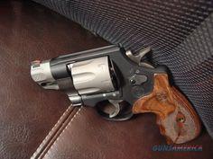 Smith & Wesson Model M 327 .357 magnum 8 shots. Super light. Performance