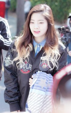 Image: TWICE's Dahyun rocking a black bomber jacket with edgy patches on the way… Korean Group, Korean Girl Groups, Nayeon, Rapper, Year Of The Tiger, Song Of The Year, Twice Dahyun, K Pop Music, Black Bomber Jacket