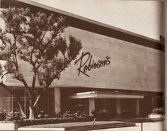 ROBINSONS - BEVERLY HILLS:  ca early 60s.  Note:  when the store first opened in 1952, there was no logo over this door.  It appears to have been added in later years.  Announced 7/25/47, opened 2/11/52.  Pereira & Luckman (Los Angeles), architects Raymond Loewy Corporation (New York), interior designers.  236,000 SF, parking for 1,100 cars.