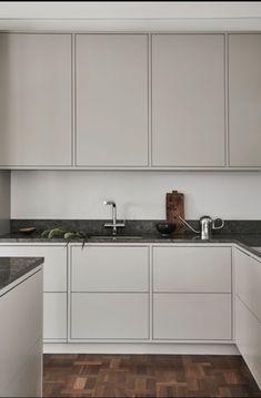 Home decoration kitchen Interior Desing, Interior Design Kitchen, Room Interior, Rustic Kitchen Design, Home Decor Kitchen, Home Kitchens, Küchen Design, Sweet Home, Kitchen Cabinets