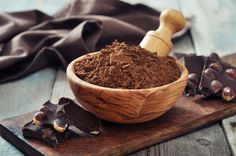 Did you think the only healthy alternatives to chocolate were cacao and cocoa? Well great news for all you chocolate lovers - there's an another wa. Carob Recipes, Kakao, Calories, Healthy Alternatives, Sin Gluten, Health And Nutrition, Healthy Tips, Broccoli, Vitamins