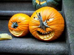 Halloween Ideas Top 30 ingenious pumpkin carving ideas 30 ~ Home Design Ideas Pirate Halloween Costumes, Fete Halloween, Homemade Halloween, Halloween Night, Halloween Cards, Spooky Halloween, Holidays Halloween, Halloween Pumpkins, Halloween 2018