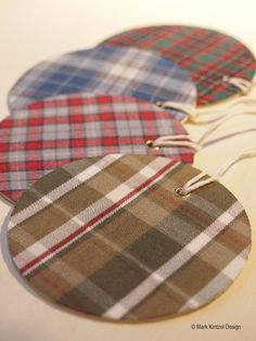 If you're thinking about trashing those holey flannel shirts – think again. You can repurpose them into one of a kind holiday gift tags. With the exception of the flannel shirts,… Holiday Gift Tags, Holiday Crafts, Holiday Decor, Diy Craft Projects, Sewing Projects, Craft Ideas, Diy Crafts, Recycled Crafts, Diy Ideas