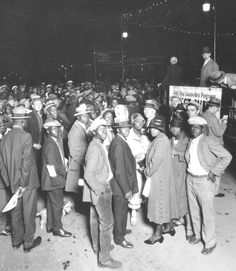 1925 - Political rally for mayor at The Armory, 6th and Walnut.