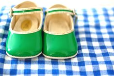 the cutest green mary janes Baby Girl Boots, Little Girl Shoes, Girls Shoes, Vintage Baby Clothes, Vintage Shoes, Vintage Outfits, Mary Janes, Fashion Shoes, Kids Fashion