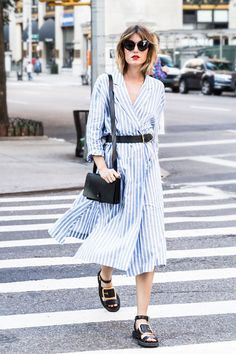 15 Street Style Looks That Will Urge You to Wear a Shirtdress 4