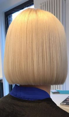 38 Modern Blunt Bob Haircuts for Women in 2019 - Page 2 of 38 - Lead Hairstyles Bob Haircuts For Women, Short Bob Haircuts, Haircut Bob, Blunt Bob Hairstyles, Cool Hairstyles, Braided Hairstyles, One Length Haircuts, Medium Hair Styles, Short Hair Styles