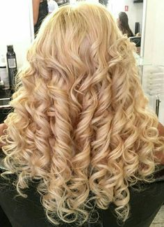 See related image detail Big Curls For Long Hair, Short Permed Hair, Big Hair, Loose Curls Hairstyles, Permed Hairstyles, Pretty Hairstyles, Waves Curls, Glam Hair, Wedding Hair And Makeup