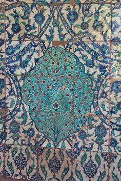 they are amazing and very rare Turkish Tiles, Turkish Art, Islamic Architecture, Art And Architecture, Sainte Sophie Istanbul, Arabesque, Quartz Tiles, Turkish Design, Persian Blue