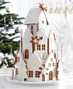 Gingerbread house by Eva Blixman on Gingerbread House Template, Cool Gingerbread Houses, Gingerbread House Designs, Christmas Gingerbread House, Christmas Sweets, Christmas Cooking, Noel Christmas, Christmas Goodies, All Things Christmas