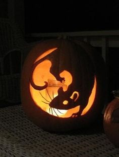 pumpkin carving idea :) by cathy