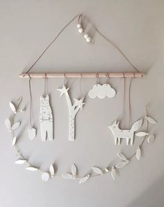 Baby Diy Mobile Simple New Ideas Clay Projects, Clay Crafts, Diy And Crafts, Diy For Kids, Crafts For Kids, Air Dry Clay Ideas For Kids, Kids Clay, Mobiles For Kids, Baby Mobiles