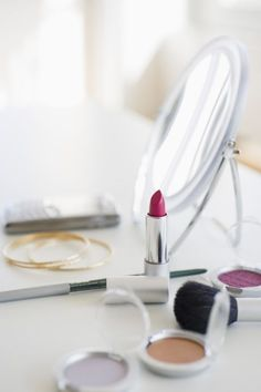 It doesn't matter whether you wearpowder, cream, orliquid makeup: All of it should be stored at room temp and thereforenotin your bathroom. Hey, just add it to your list of reasons to invest in a new bedroom vanity. Diy Beauty, Beauty Makeup, Beauty Hacks, Beauty Ideas, Makeup Remover, Makeup Brushes, Magnifying Mirror, Liquid Makeup, Make Up Collection