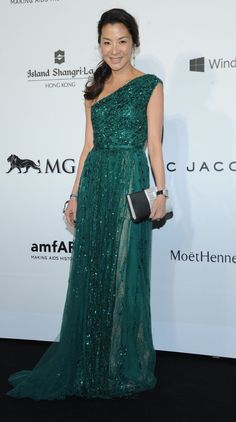 Michelle Yeoh wears ELIE SAAB Haute Couture Autumn Winter 2013-2014 to the 2015 amfAR Hong Kong Gala.