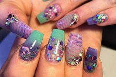 Mermaid nails I love love love these Get Nails, Fancy Nails, Pretty Nails, Hair And Nails, Disney Princess Nails, Disney Nails, Nail Art Designs, Mermaid Nails, Beach Nails