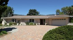 Just Listed Homes in Fallbrook, CA!  http://breanna.sdcountyhomehunter.com/index.php?types[]=1&areas[]=city%3AFallbrook&fbts=6703983&beds=0&baths=0&min=0&max=30000000&map=0&options[]=new&sortby=listings.listingdate+DESC&quick=1&ppc=Pinterest&addht=Pinterest