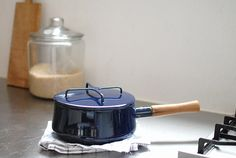 DANSK/ダンスク/コベンスタイル2/片手鍋 18cm(ネイビー) - 北欧雑貨と北欧食器の通販サイト| 北欧、暮らしの道具店